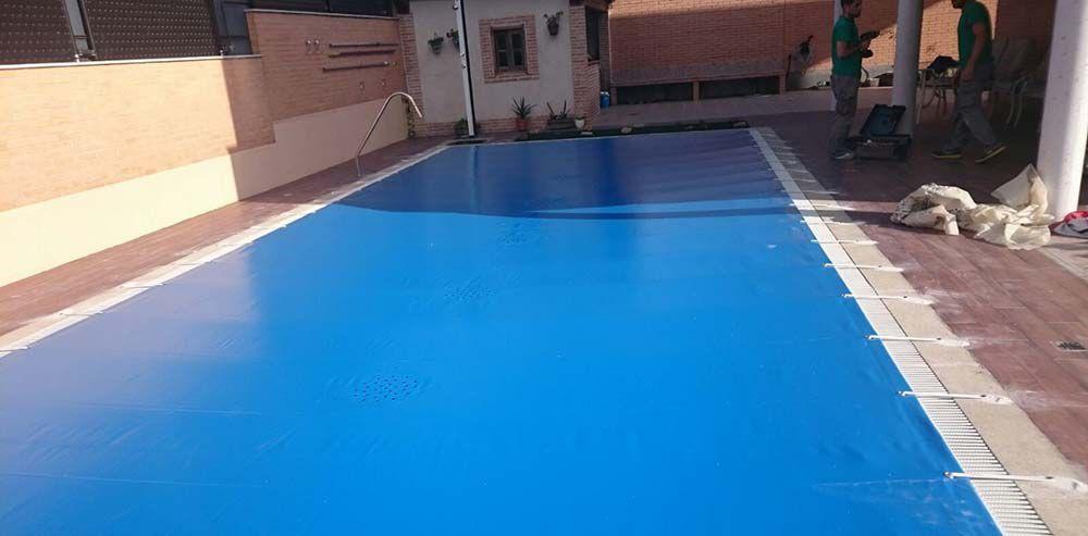 Lonas para piscinas en fuenlabrada p rgolas y capotas en for Piscina fuenlabrada